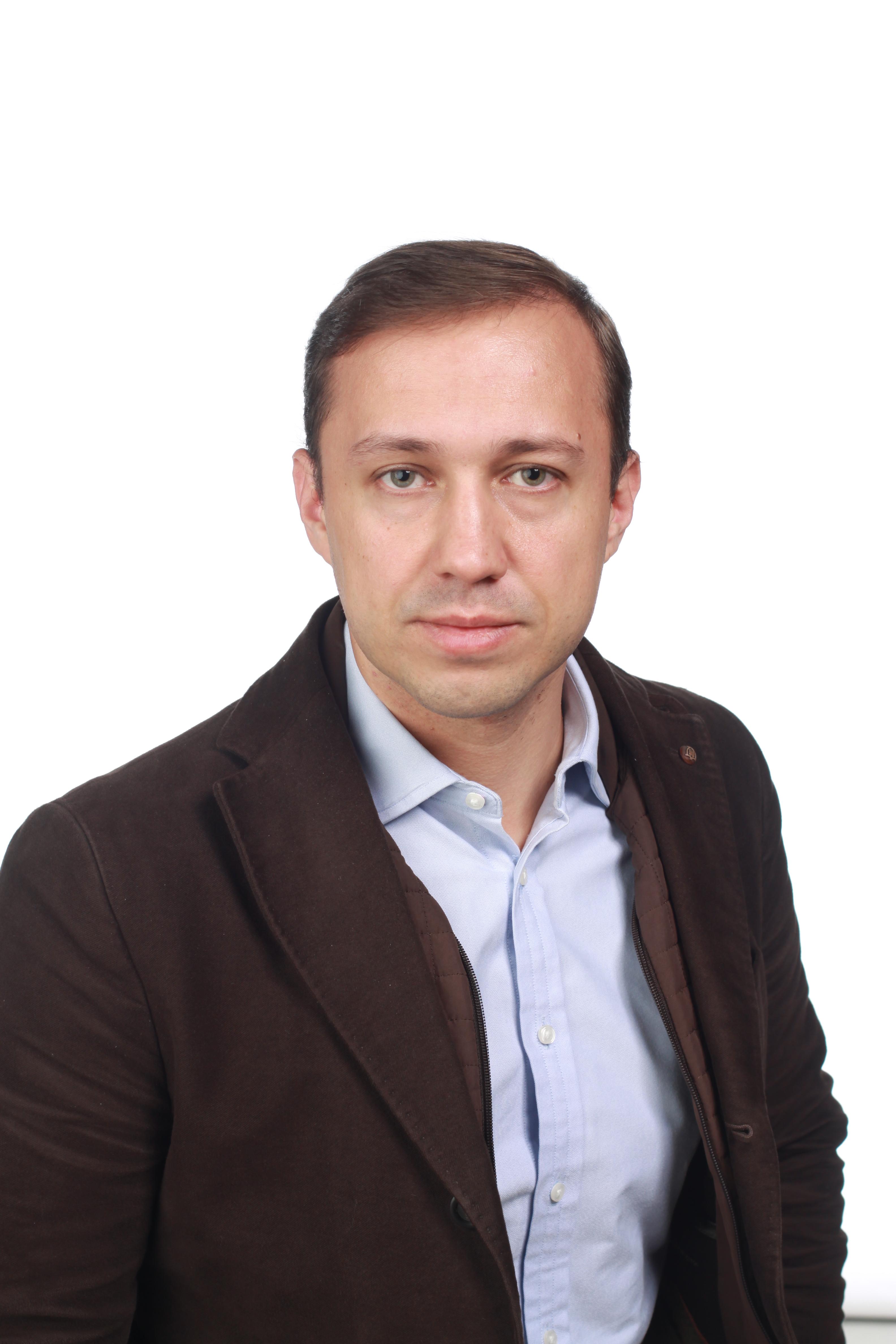 П. Романов - генеральный директор